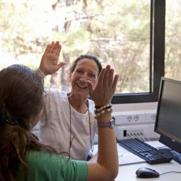Η συνέντευξη της 50και Ελλάς στο distaff- καταμεσής στον κορωναϊό